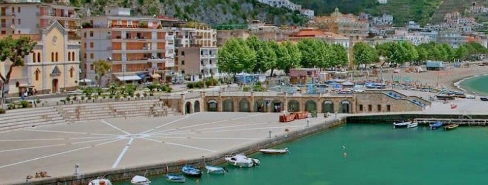 Anfiteatro porto turistico Maiori